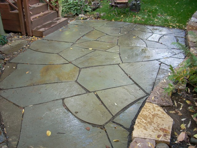 An example of variegated flagstone