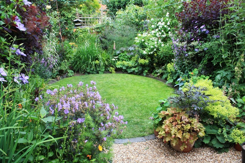 Unique Garden Design Circular Lawns And Inspiration Decorating